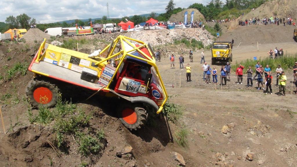 Nebezpečný sjezd na Truck Trial Kadaň 2014